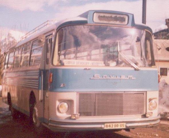 vieil autocar dévoluy voyages