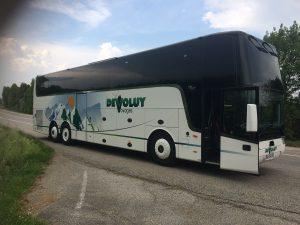 Autocar Van Hool TX 17 très confortable pour les voyages